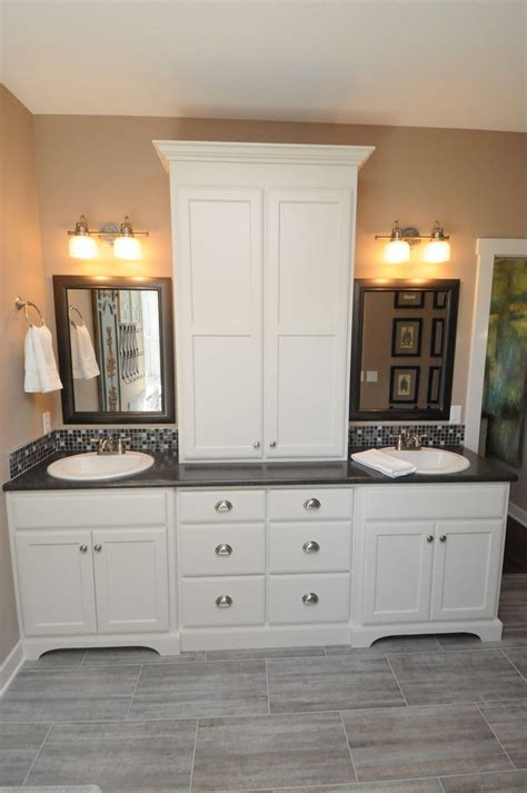 master bath vanity cabinets 171 best home hall bath cabinetry images on pinterest
