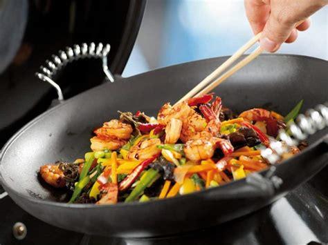 cuisine wok facile 3 recettes faciles de wok 224 pr 233 parer