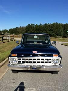 1965 Ford F100 Custom Cab Truck
