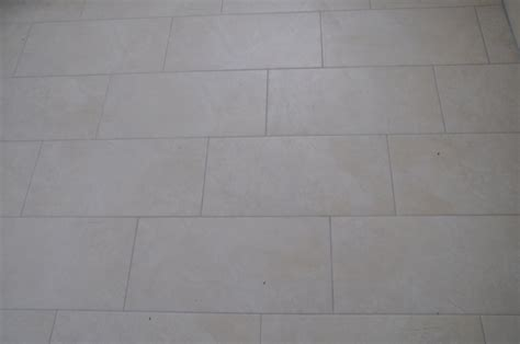 Fußboden Fliesen Bad by Fliesen Im Bad Fliesengestaltung F 252 R Dusche Badewanne