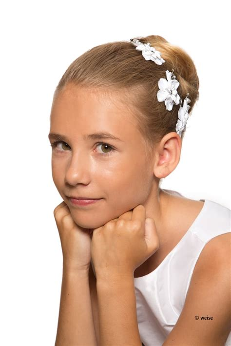 erstkommunion frisuren nachmachen kommunionfrisur haarschmuck zum kleid
