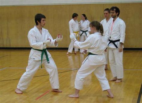 analisis kondisi fisik cabang olahraga karate analisis kondisi fisik  cabang olahraga karate