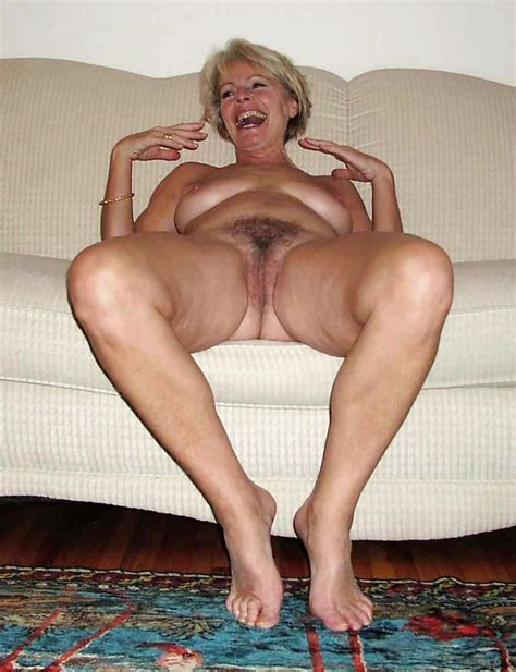 My Galleries Of Sexy Matures Justine A Mature Blonde Posing On A Couch