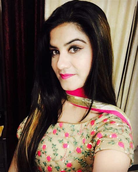 Kaur B Beautiful Hd Wallpaper & Latest 2017