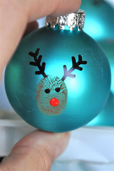 little bit funky 20 minute crafter reindeer thumbprint