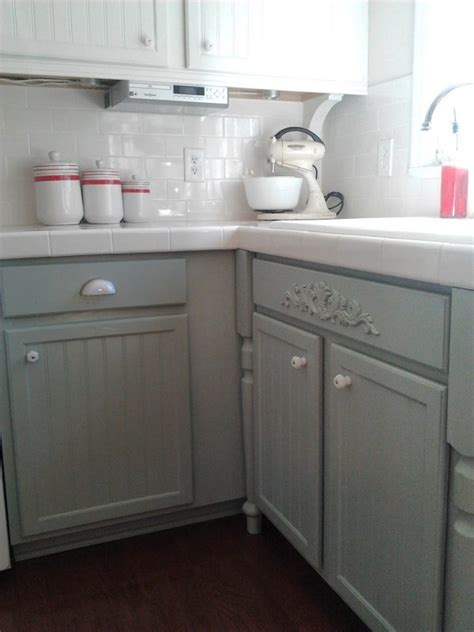 how to paint kitchen cabinet hardware remodelaholic painting oak cabinets white and gray 8793