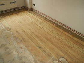 Teppichkleber Entfernen Holz : wir schleifen und sanieren ihren holzfu boden ob parkett dielen oder ferigparkett klick ~ Orissabook.com Haus und Dekorationen