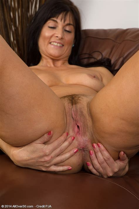 Lelani Tizzie Have Fun With Her Moist Minge Milf Fox
