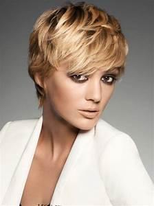 Coupe Courte De Cheveux Femme : coupe courte cheveux pais femme ~ Dallasstarsshop.com Idées de Décoration