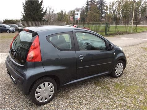 peugeot 107 interni sold peugeot 107 1 4 hdi 3 porte 4 used cars for sale