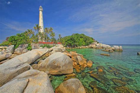 wisata pulau lengkuas belitung padiciticom