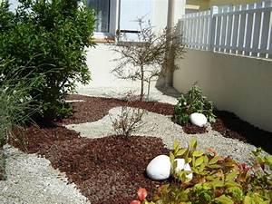 decoration jardin avec cailloux With deco de jardin avec caillou