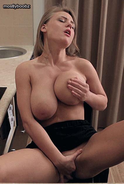 Viola Bailey Naked S Curvy Erotic