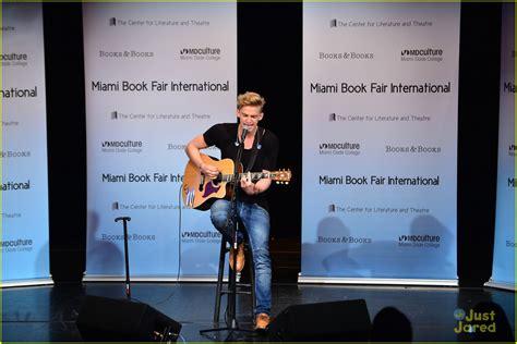 Cody Simpson Miami Concert Book Signing Photo 611061