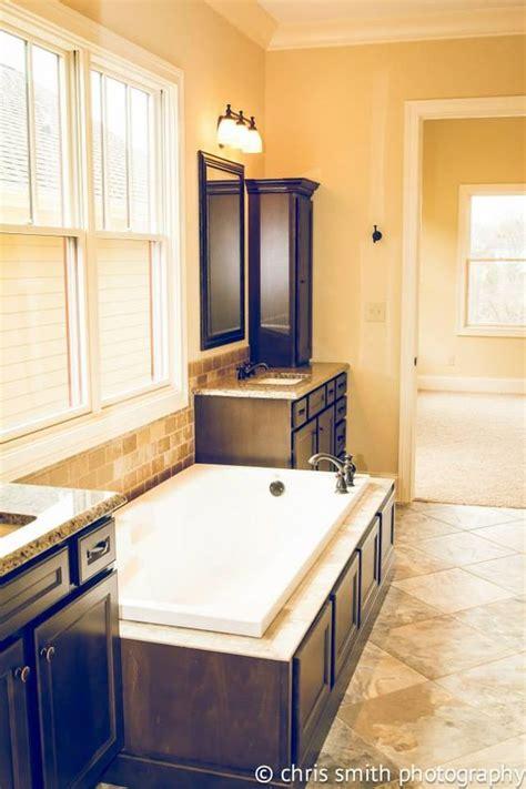 Homecrest Cabinets Bathroom Vanity by Master Bath Cabinet Homecrest Cabinetry Maple