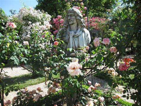 bureau de poste l hay les roses la roseraie du val de marne à l 39 hay les roses le puits