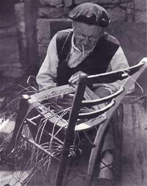 rempailleur de chaise les métiers d 39 autrefois en ville