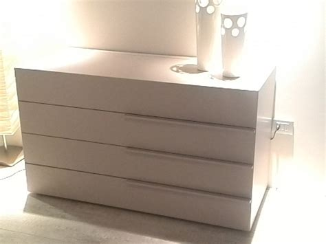 cassettiera per da letto cassettiere da letto design casamia idea di immagine