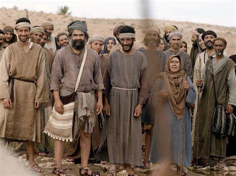 freebibleimages jesus calls   disciples