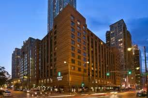 hotels in downtown chicago il embassy suites chicago downtown hotels in chicago il