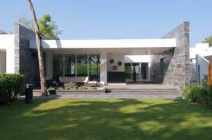 White Interiors Homes Stylish And Modern Dinesh Mills Bungalow By Atelier Dnd Freshome