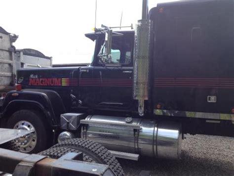 toys  mack magnum superliner truck