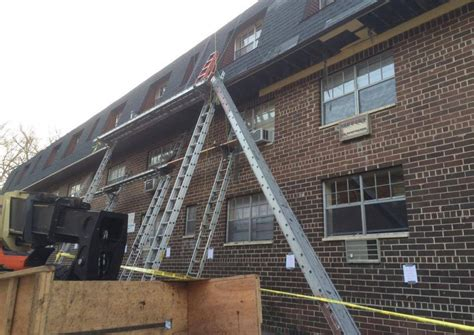 ladder jack work platform collapse hurts