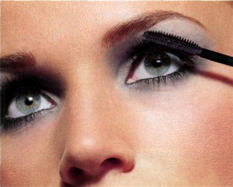 Как увеличить глаза с помощью макияжа? YouTube