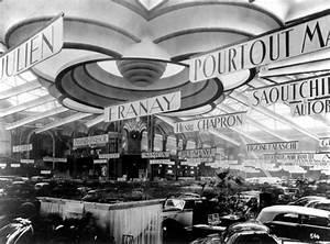 Le Palais De L Automobile : salon de l 39 auto paris 1946 photo kevin pourtout wikimedia commons grandir a paris salon ~ Medecine-chirurgie-esthetiques.com Avis de Voitures