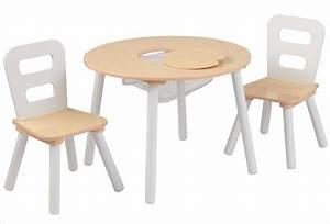 Table Et Chaise Pour Bébé : petite table ronde en bois pour enfant et ses deux chaises kidkraft ~ Farleysfitness.com Idées de Décoration