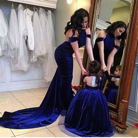 Красивые одинаковые платья для мамы и дочки. Модели на каждый день и на выход. Фото