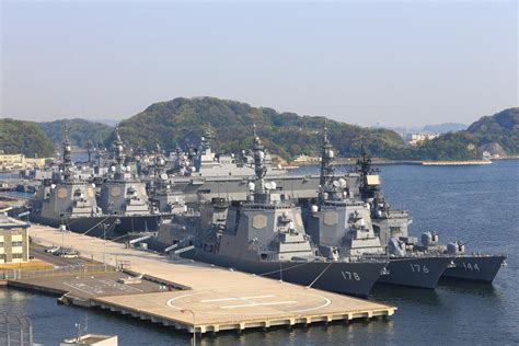 海自 横須賀に護衛艦が集結してて何事かと思ったらカレー作りに来てるだけだったwwwwwwww ハムスター速報