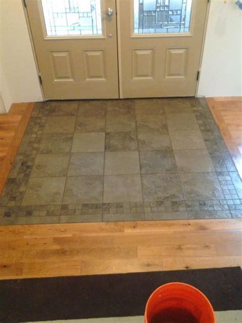 Small Foyer Tile Ideas by 25 Best Ideas About Tile Entryway On Entryway