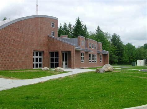 university  connecticut litchfield agricultural center