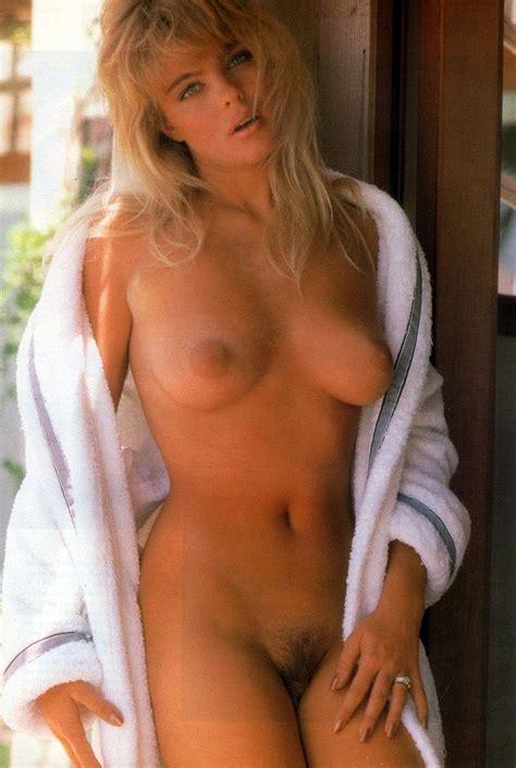 Actress Erika Eleniak Nude Pics Vintage Hairy Pussy