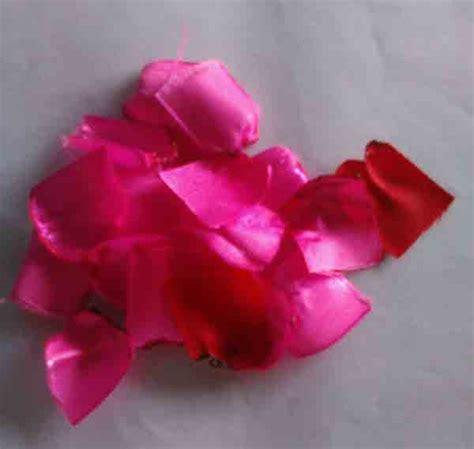 kreasi cantik bross bunga mawar bakar