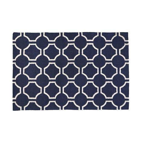 blue and white geometric rug – Roselawnlutheran