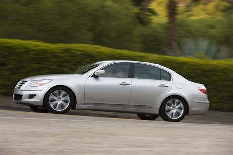 2009 Hyundai Genesis Photo Gallery