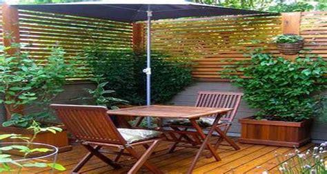 simulation cuisine idée déco terrasse aménagement avec bois et plantes