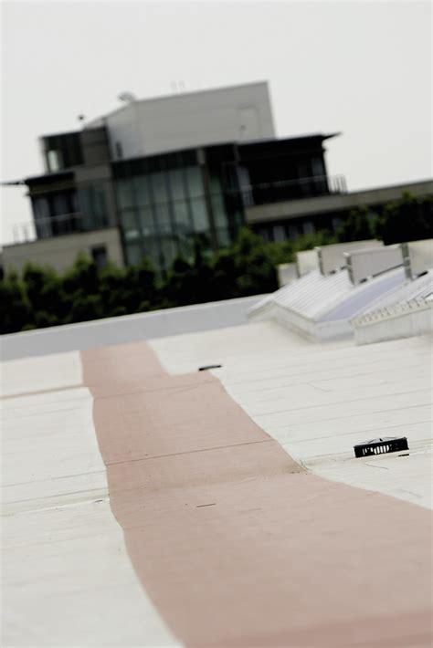 Wie Lange Hält Ein Flachdach by Flachdach Tr 228 Gt Moderne Solaranlage Nachhaltig Geplant