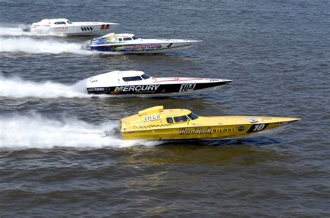 Fast Boats Racing by Florida Gulf Property Purtee Team Boat Races