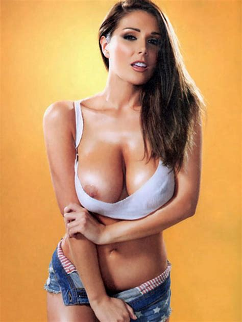 Lucy Pinder Nude Natural Huge Tits Made Her Popular