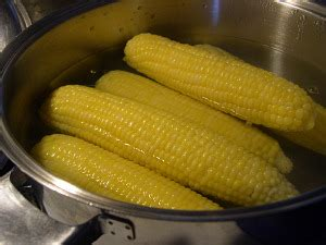 boiling corn in the husk freezing corn on the cob or off illustrated step by step with video