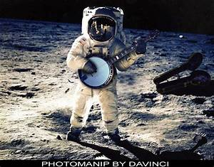 Astronaut On Moon Wallpaper (page 2) - Pics about space