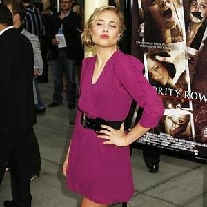 Leah Pipes Pictures, Latest News, Videos and Dating Gossips