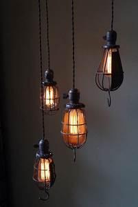 Lampe Style Industriel : ensemble de 4 grosses baladeuse industrielle des usa equipant les caves de new york ~ Teatrodelosmanantiales.com Idées de Décoration