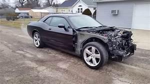 Wrecked 2010 Dodge Challenger Classic R  T  Walk