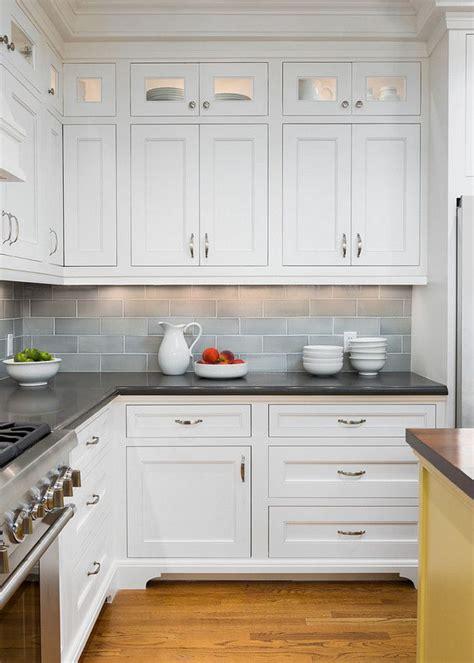 backsplash for white kitchen cabinets white kitchen cabinets pixshark com images