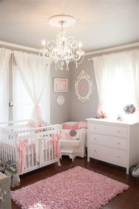 la chambre des décoration pour la chambre de bébé fille