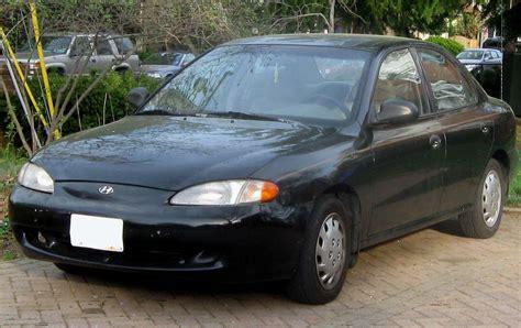 1996 Hyundai Elantra by File 1996 1997 Hyundai Elantra Sedan 1 04 07 2010 Jpg
